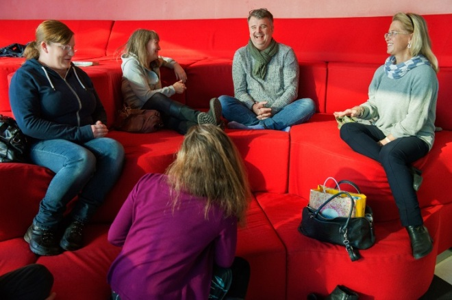 Gruppdiskussioner på Prata mer med varandra i familjen
